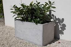 blumenkübel aus beton pflanzk 252 bel blumenk 252 bel quot maxi quot 80 aus fiberglas beton design