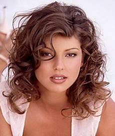 medium natural curly hairstyles