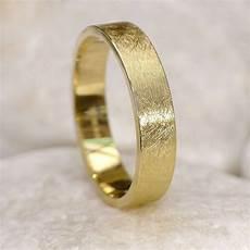 mens wedding ring in 18ct gold urban finish