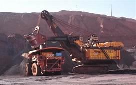 M&225quinas Gigantes E Paisagem Marciana Nas Minas De Ferro