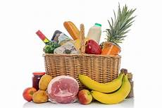 shopping lebensmittel wicker basket of food groceries isolated stock image
