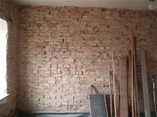 alte ziegelmauer sanieren baumaterialien zement ziegelwand innen