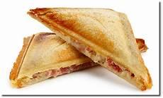 Sandwich Toast Rezepte - i finally tried adding butter to my ham and swiss sandwich