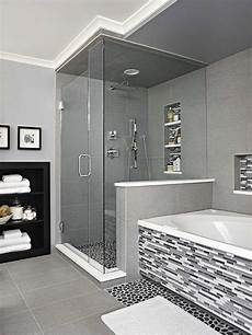 moderne badezimmer mit dusche und badewanne 1001 badfliesen ideen f 252 r wohlf 252 hle zu hause ванная и