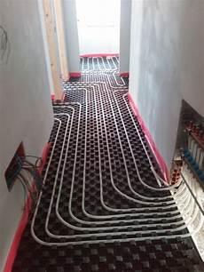 impianto termico a pavimento foto impianto a pavimento corridoio con collettore di