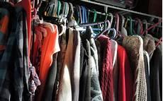 Der Minimalistischer Kleiderschrank So Gelingt Er Dir