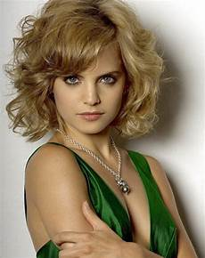 2014 short hairstyle for wavy hair popular haircuts
