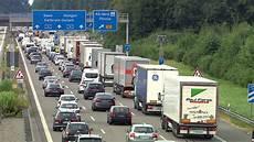 aktueller verkehr a8 autobahnbaustellen im land stau alarm an der a8