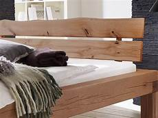 Massivholzbett Mit Bettkasten - balkenbett 180x200 massivholzbett mit bettkasten fichte elias