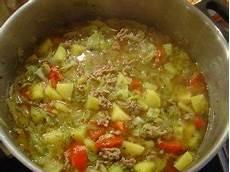 Eintopf Mit Hackfleisch - spitzkohl eintopf mit hackfleisch rezept kochbar de