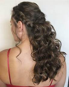 curly hairstyles for homecoming 18 stunning curly prom hairstyles for 2020 updos