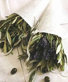 fiori di ulivo ramoscelli di ulivo belli in giardino fantastici in casa