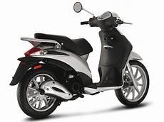 scooter piaggio liberty 50 2t un style unique brillant