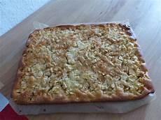 apfelkuchen blech schnell apfelkuchen vom blech sehr saftig und schnell gemacht