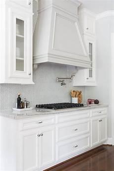 Kitchens Without Backsplash The Side Backsplash Dilemma Should You One Or No
