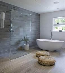 Salle De Bains Moderne Et Design 23 Id 233 Es Inspirantes