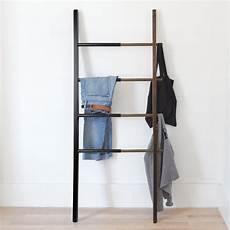 getragene kleidung aufbewahren hub ladder rack by umbra connox shop