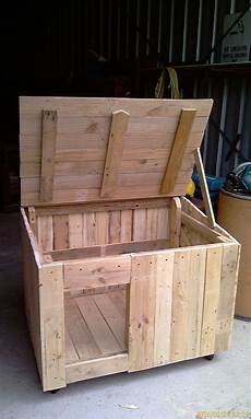 haus aus holz selber bauen recycling pallet wood kennel houses cool