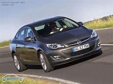 Opel Astra J Limousine Fotos Bilder