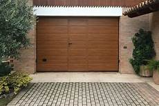 porte sezionali garage prezzi modello medici portone sezionale con pannello simil legno