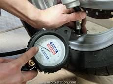 manometre pression pneu professionnel 104813 pneu moto mettez leur la bonne pression route