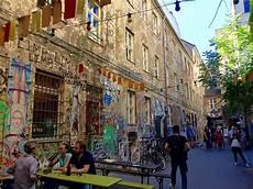 Berlin Hackesche Höfe - die hackeschen hoefe picture of die hackeschen hoefe