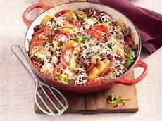 schnelle rezepte mit hackfleisch kartoffel auflauf mit w 252 rzigem hackfleisch rezept in