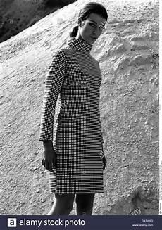 mode 1960er jahre damen mode frau pepita kleid 60s