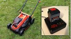 tondeuse electrique sur batterie peut on vraiment tondre sa pelouse avec une tondeuse