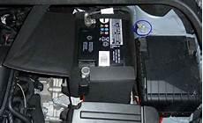 batterie02 batterie ausbauen vw golf 6 204145866