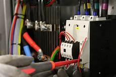 alte stromleitungen austauschen elektroinstallation fachgerecht durch elektriker aus