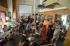 Cafe Wohnzimmer Dresden by Rendezvous Dich Ins Knie Werkstattauff 252 Hrung Des Clubs