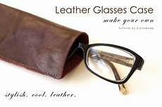 Tutorial Simple Leather Glasses Sewing