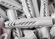 sicherer halt im trockenbau spezielle duebel fuer sicherer halt an der ziegelwand bohren und d 252 beln im
