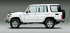 toyota land cruiser modelle desert classic toyota s iconic land cruiser 70 to be re