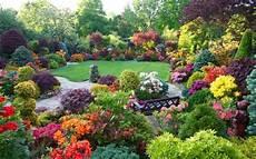 Free Desktop Wallpaper Flower Garden by Beautiful Home Flower Gardens Wallpaper Desktop