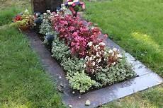 pflanzen für trockene schattige standorte grabbepflanzung im sommer beispiele f 252 r alle standorte