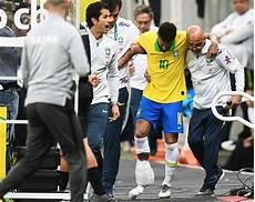consolato qatar infortunio neymar la caviglia fa paura il brasiliano
