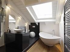 das badezimmer unterm dach individuelle 7 tipps f 252 r das badezimmer unterm dach home sweet home