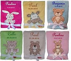 babydecke bestickt mit namen und datum geschenke zur geburt