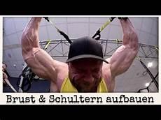 Brust Schultern Aufbauen