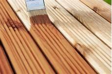 Holz Behandeln Aussen - gartenm 246 bel lasieren lackieren oder 246 len kolorat