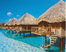 places in the world for going in vacations polynesian