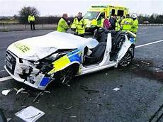 Unfall A 4 - lucky officers survive audi a4 audi a3