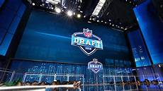 2019 nfl draft trades 6 teams that should trade back in the 1st round
