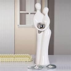 design skulptur liebespaar mit herz deko statue figur