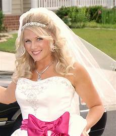 half up with veil and headband weddings pinterest hair down pink and wedding