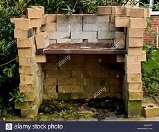 Gemauerten Grill Im Garten Stockfoto Bild 28741439 Alamy