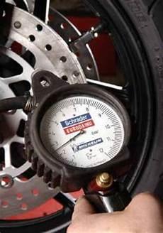 gonfler pneu chaud mecanique moto comment choisir ses pneus de moto