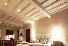 soffitti in legno con travi a vista trave di legno una scelta diversa per rinnovare la casa